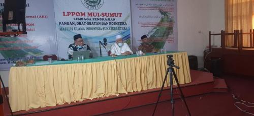 Penyerahan Ketetapan Halal MUI  untuk 100 UMKM program bantuan fasilitasi oleh BPJPH dengan LPPOM MUI Provinsi Sumatera Utara